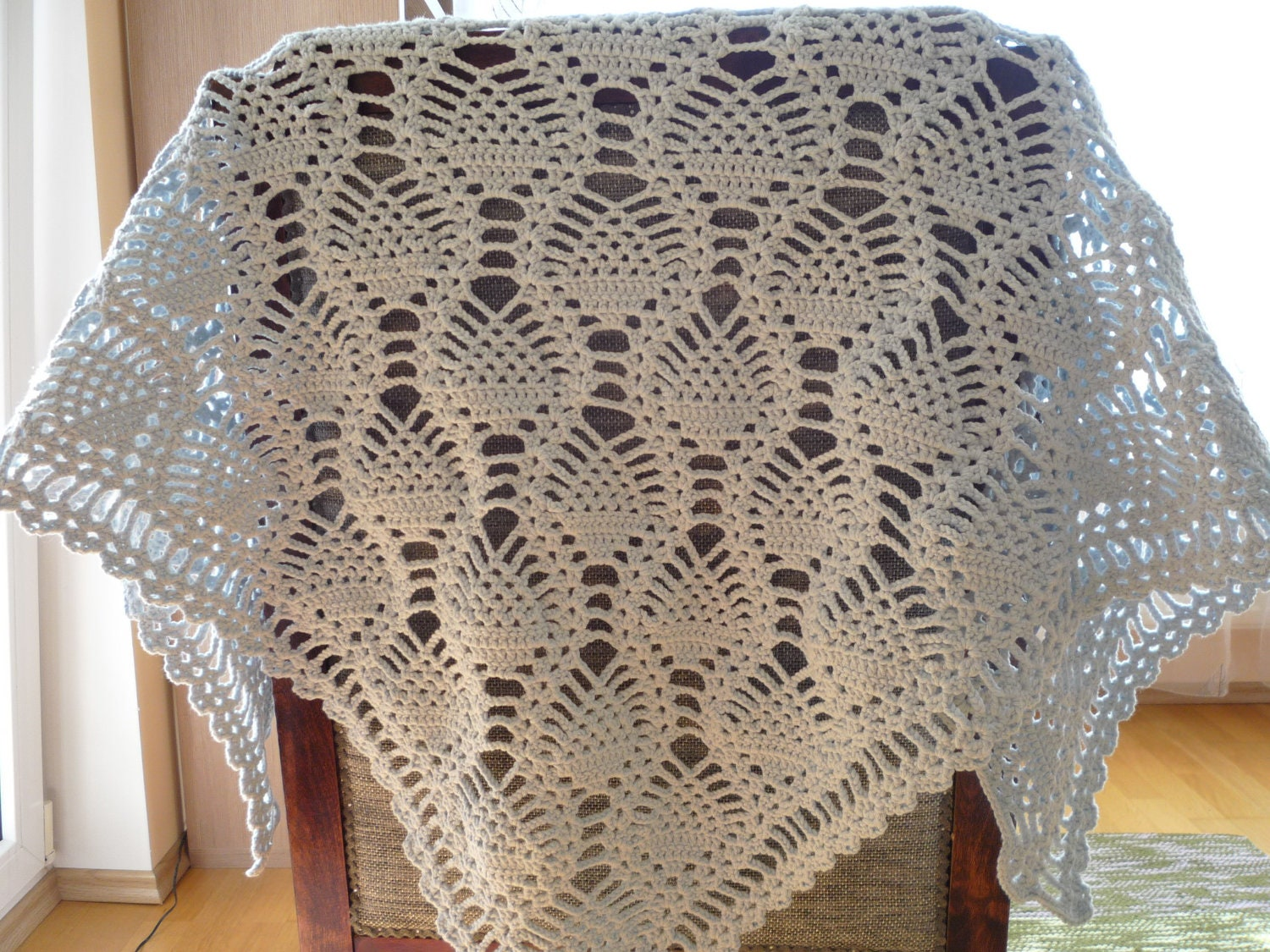 Pineapple lace shawl crochet patterns patterns kid on dt1010fo