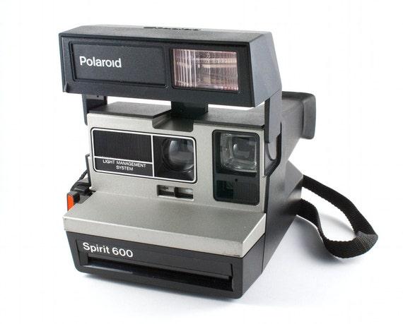 working vintage polaroid camera spirit 600 retro hipster. Black Bedroom Furniture Sets. Home Design Ideas
