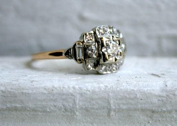 Stunning Vintage Art Deco 14K Yellow Gold Diamond Engagement Ring.