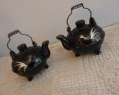 Lil' Ole Teapots- Set of 1950's Japan S & P Shakers - Black with Roosters
