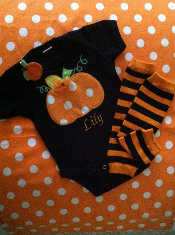 Gougeous pumpkin set onesie/t-shrit,leg warmers and hair clippy