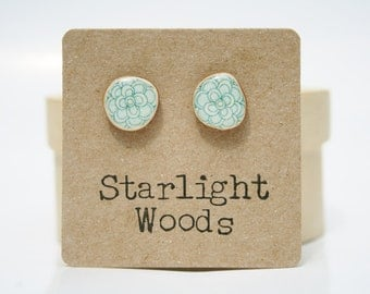 Blue flower stud earrings , wood earrings, minimalisti jewelry,  eco friendly earrings, Blue Post Earrings. Starlight Woods