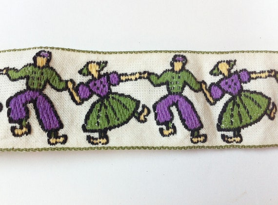 Vintage hight Ribbon, Holland style with Boys and Girls in traditional costume 2 yards purple and green