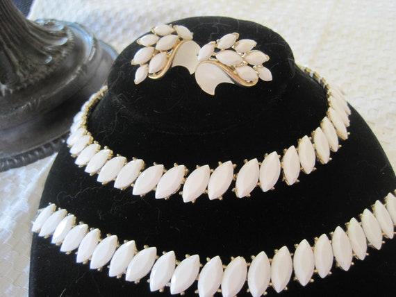 Crown Trifari White Necklace Bracelet Earrings