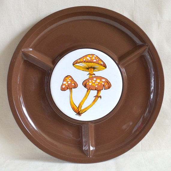 Vintage Mushroom Tray Brown Fungi Decor Divided Melmac Serving Platter, Trivet or Retro Decorating. Original Melamine. 1970 70s style