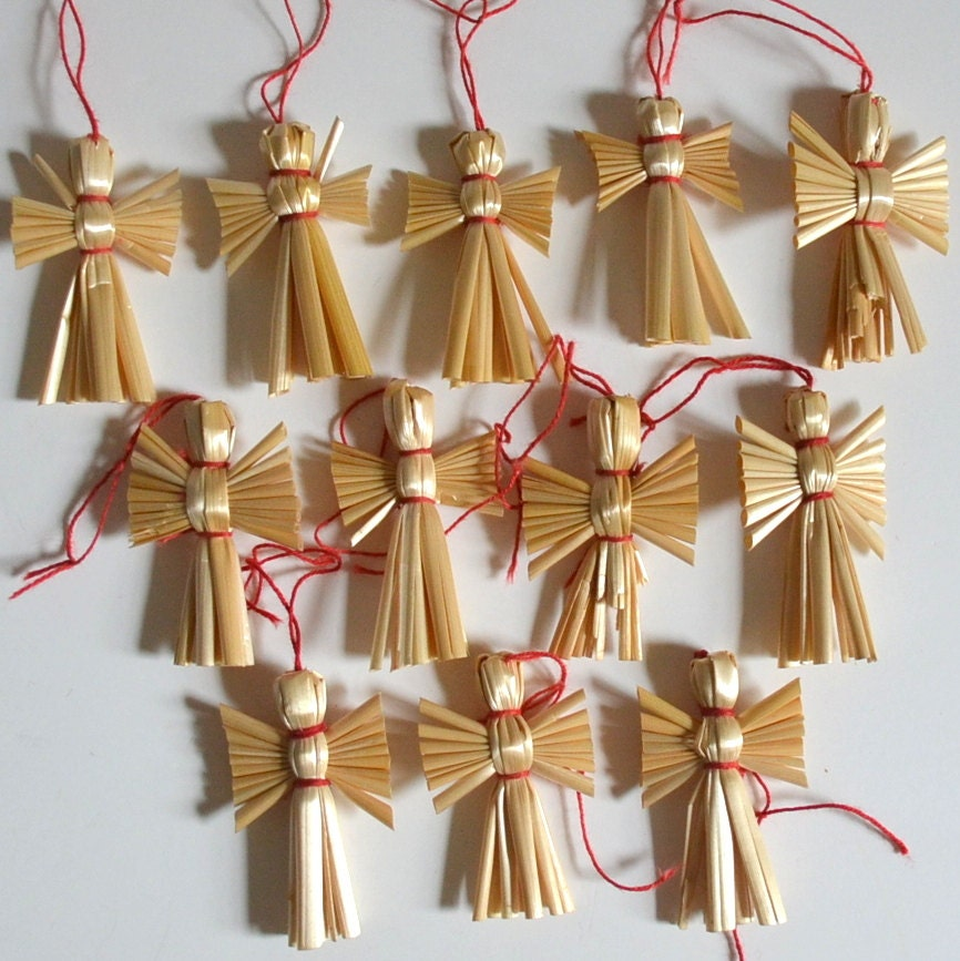 Vintage Angel Christmas Straw Ornaments. Set of 12 Mini Shabby