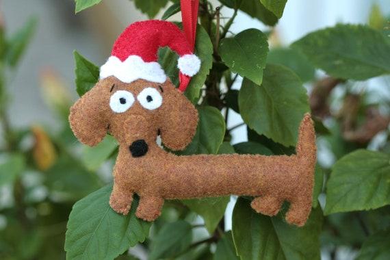 Super Cute  Dachsund Wiener Dog with Santa Hat Ornament
