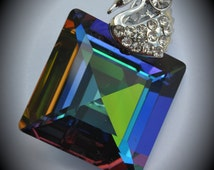 6414 Large Genuine Silver Plated Swarovski Crystal 25mm Green Sphinx Square Pendant
