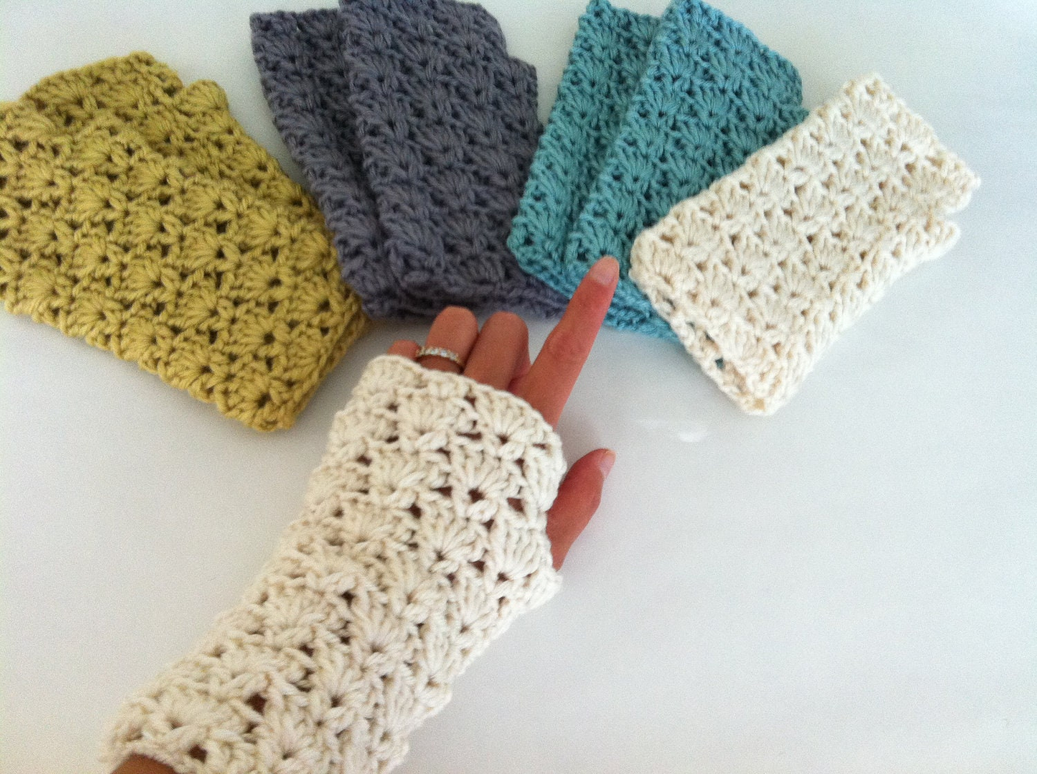 Crochet Gloves : Crochet Shells Fingerless Gloves Crochet wrist by LittleAsiaGirl
