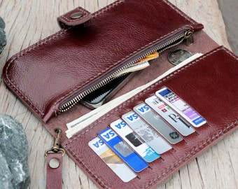 MClay brown wallet with zip and wristlet strap