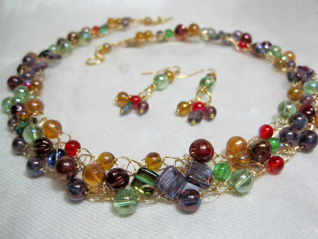 wire crochet beaded necklace set in gold green and