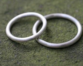 2 mm round 14k White gold wedding band set