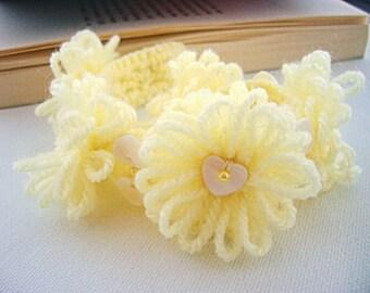 Crochet Bracelet - Crochet  Daisies  Bracelet - Summer Jewellery