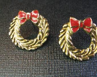 Christmas Wreath Enameled Vintage Pierced Earrings Holiday Jewelry, Kitschy Fun