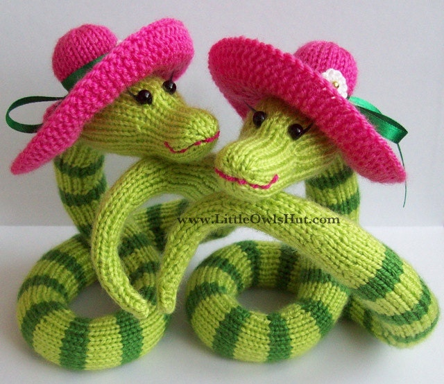 008 Snake Beauty Amigurumi Knitting Pattern PDF File by