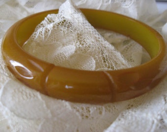 Deco Carved Bakelite Bracelet, Vintage Bakelite, 1940s Bakelite,Estate Jewelry, Bakelite Stacking Bracelet, Bangle Bracelet, Vintage Jewelry