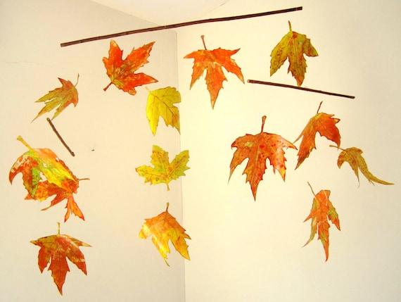 Mobile autumn leaves hanging mobile nursery decoration for Autumn leaf decoration