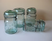 Atlas  Canning Jars 4 pint jars Blue with lids