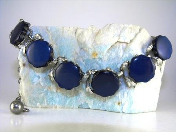 Vintage NECKLACE Deep Blue THERMOSET Moonglow 1950s 18.00 obo