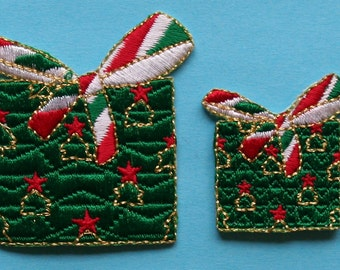 ID 8179AB Christmas Holiday Presents Embroidered Iron On Applique Patch Lot of 2