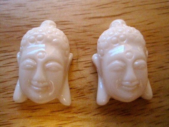 2 IVORY WHITE Tibetan Buddha Beads