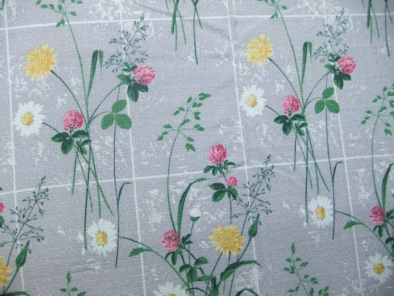 SALE Vintage Swedish 1950s fabric in gray cotton Wonderful meadow flowers printed on