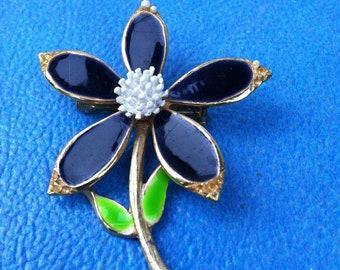 vintage blue daisy brooch pin