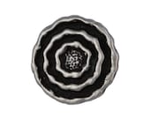 6 Ripples 9/16 inch ( 15 mm ) Metal Buttons Silver/Black Color