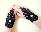 Sparkles Black Bridal Fingerless Gloves, Lace Wedding Accessory, Gothic gloves,  Bridal accessory, Black  Fingerless Gloves, Black