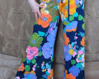 1970s Fab Floral Print Bellbottom Pants