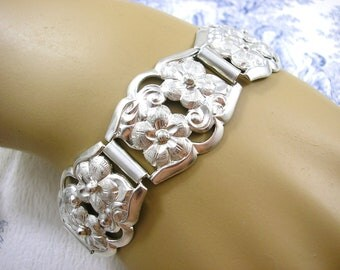 Art Deco Silver Bracelet with Engraved Flowers circa 1930s Jewelry