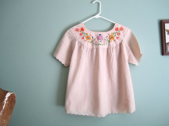 1970s bouse/ floral embroidered blouse/ boho hippie shirt S-M