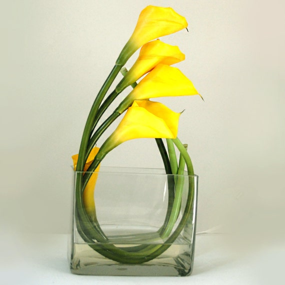 Real Touch Yellow Calla Lily Square Glass Vase Artificial Faux