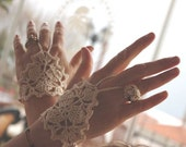 Cream ivory wedding lace fingerless gloves