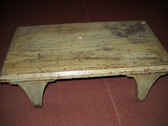 Primitive Style Handmade Painted Sage GreenTabletop Bench Table Riser