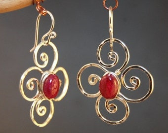 Hammered flower earrings Ruby, Victorian 190
