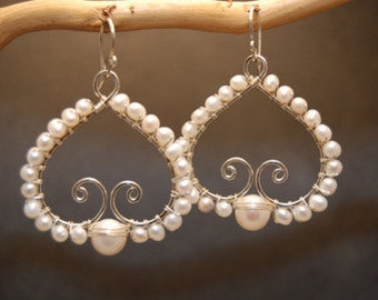 Hammered swirls with Ivory Pearls Cosmopolitan 77