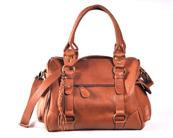 VAGABOND. Duffel bag / leather weeekender bag / leather travel / leather satchel / overnight bag. Available in different leather colours.
