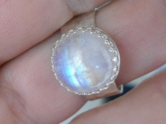 Rainbow Moonstone ring - Sterling Silver stone Ring - Size 8.5  - Natural stone ring