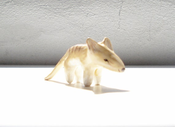 Thylacine mini sculpture, small animal totem, extinct animal, miniature animal, australian animal, animal charm