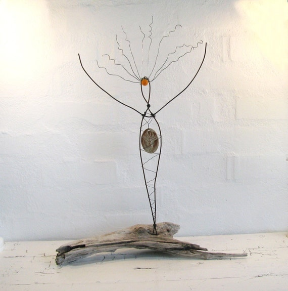 Rustic Wire Sculpture Goddess of the Sun. Rustic Wire Art. Driftwood Art. Mixed Media Sculpture.