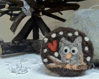 Hoot & Heart Wintery Owl Needle Felt Pin