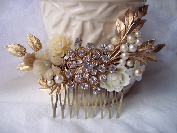 GILDED SNOWFLAKE Haircomb for the Beautiful Bride Winter Wedding Snow Lovers Vintage Sparkly Golden Warmth OOAK Holiday Party