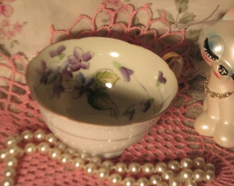 Vintage Tea cup,Noritake Japan Tea Cup with Lavender/Purple Flowers inside it Very Pretty M mark with leaves :)S Not Included In Coupon Sale
