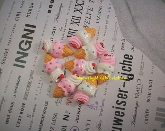 sweet deco flatback Ice-cream cones 2 pc 10mm x 6mm