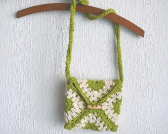 Child Purse, crochet handbag, Birthday gift, crochet bag, shoulder bag, crochet child purse in olive green and natural wool color flowers.