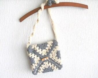 Crochet handbag, child purse, Birthday gift, crochet bag, shoulder bag, crochet child purse in gray,natural wool color flower granny square