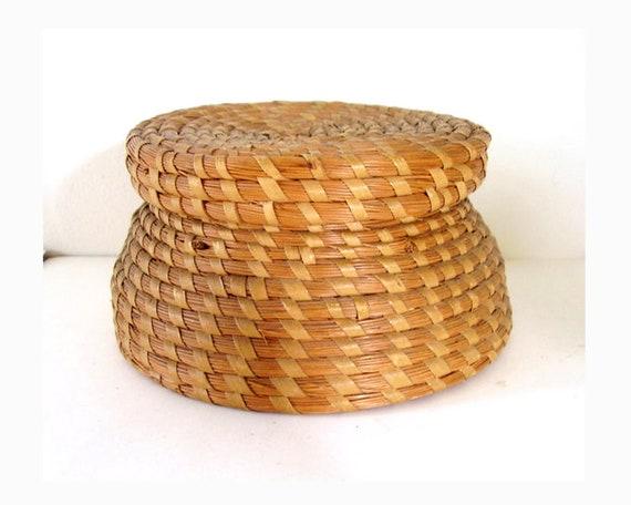 Antique Carolina Gullah Sweet Grass Basket with Lid