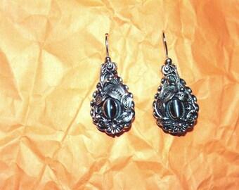 Filigree Earrings. Sterling silver. Cat's eye.