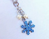 Snowflake Charm and Pearls Necklace